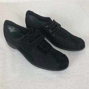 Munro Black Slip in Velcro top Shoes Size 8